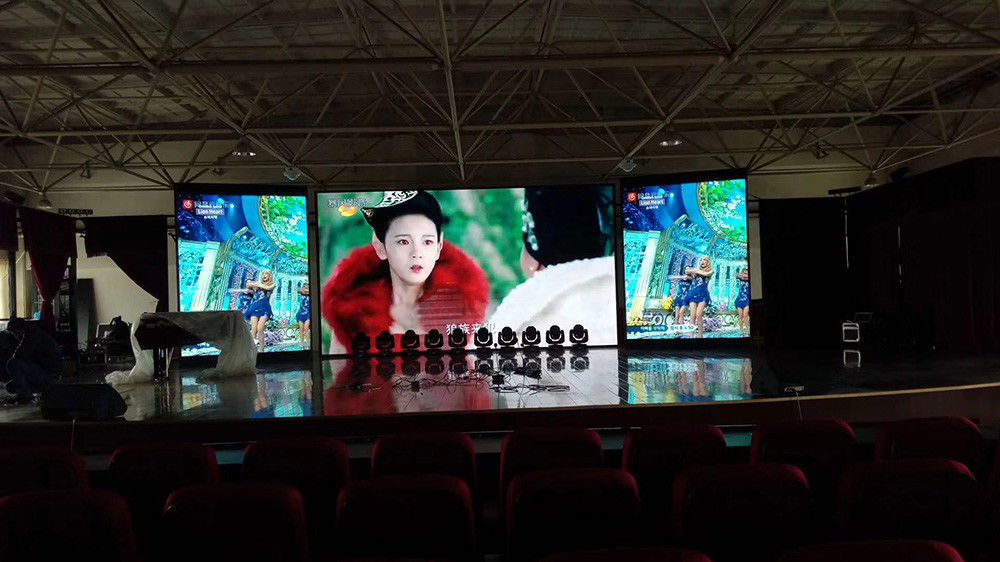 Durable Advertising SMD LED Screen P4 Indoor Three Color Display Pixel Density 62500/m2